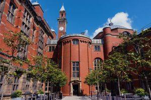 英国伯明翰大学
