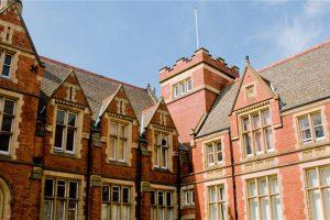 英国利兹大学